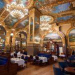 «Французская елка» Coswick во французском ресторане Le Train Bleu в Дохе